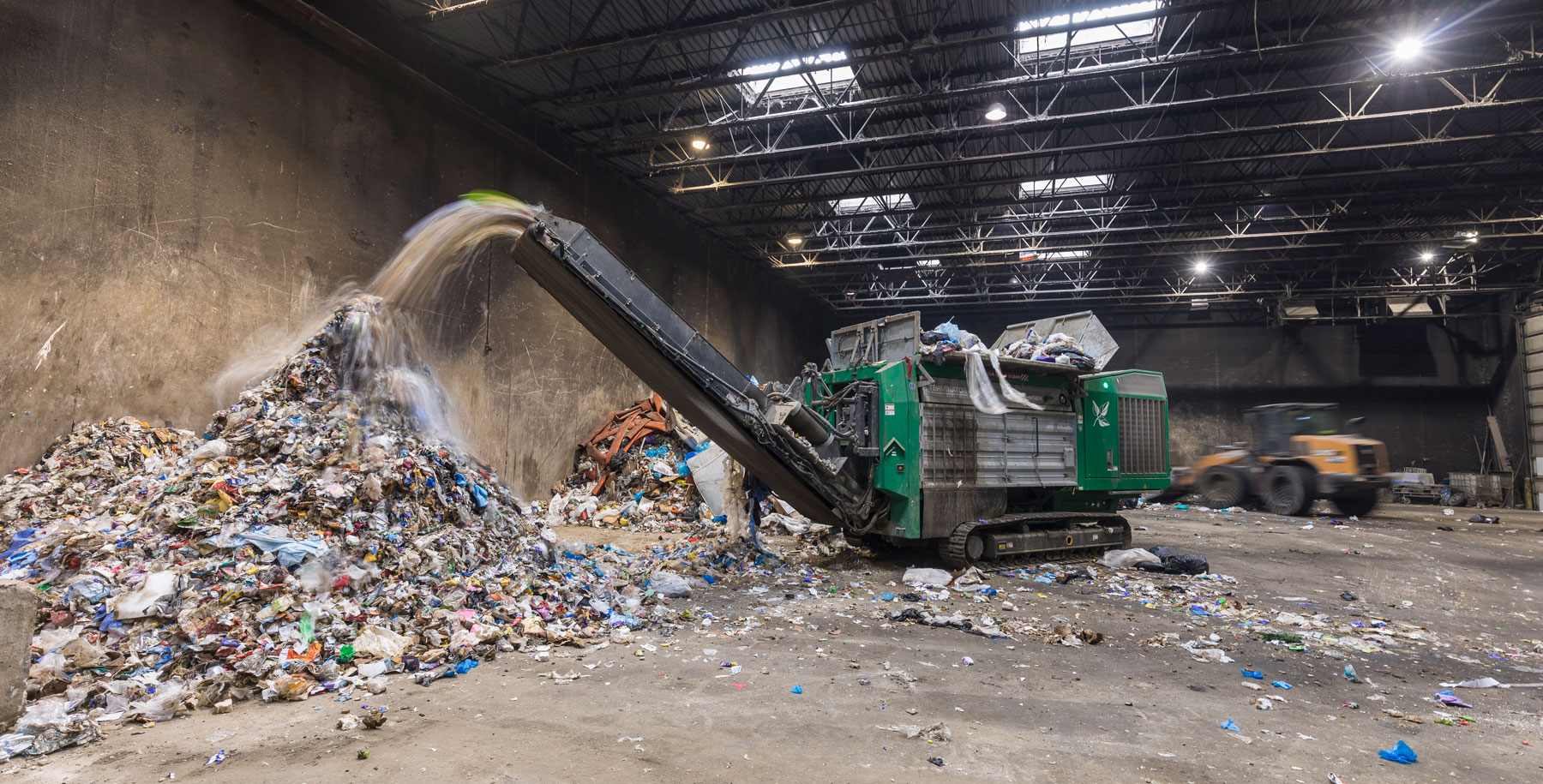 Prairieland Solid Waste Facility in Minnesota, analyzed costs and made processes more profitable with the help of a Terminator 6000 waste shredder.